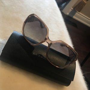 Burberry Sunglasses 🕶